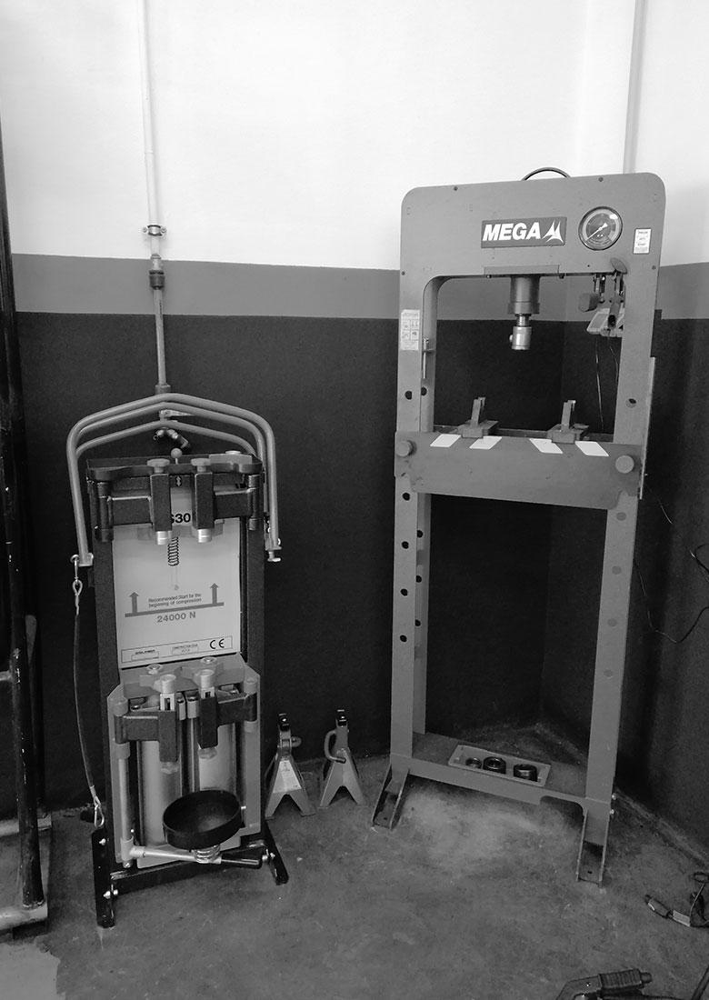maquinaria-para-neumaticos-taller-moreno-cartagena